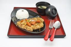 Gebratenes Huhn und Reis und Suppe stockfoto