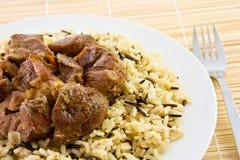 Gebratenes Rindfleisch mit Reis lizenzfreies stockfoto