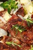 Gebratenes Schweinefleisch mit Gemüse lizenzfreies stockbild