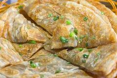 Gebratenes Zwiebelkuchen cong Sie Bing auf Chinesisch stockbild