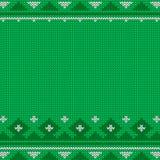Gebreid naadloos groen Kerstmispatroon met traditioneel ornament Royalty-vrije Stock Foto's
