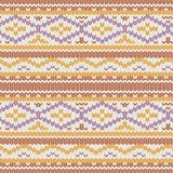 Gebreid vectorpatroon met comfortabel geometrisch ornament De hand getrokken textuur van de de wintersweater in kleuren van oranj stock illustratie