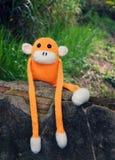 Gebreide eenzame aap, symbool van jaar 2016 Royalty-vrije Stock Fotografie