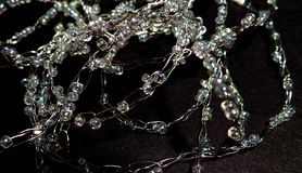 Gebreide kettingsjuwelen Het parelen van uw eigen juwelen Stock Foto's