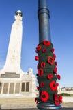 Gebreide papavers bij de Zee Herdenkingsuitbreiding van Portsmouth stock foto's