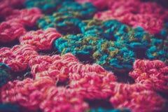 Gebreide textuurachtergrond Kleurrijk brei het werk, sweater dichte omhooggaand Royalty-vrije Stock Foto's