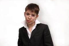 Gebrilde jongen stock foto
