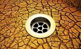 Gebrochene Erde-Ablass-Dürre Lizenzfreie Stockfotos