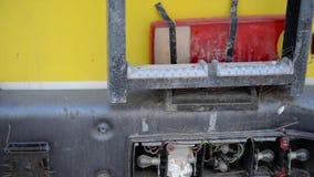 Gebroken bestelwagen en kleurrijke backlight stock footage