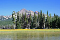Gebroken Bovenkant van Lava Lake Royalty-vrije Stock Foto's