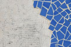 Gebroken ceramische vloertegels Stock Afbeeldingen