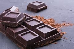 Gebroken chocoladereep royalty-vrije stock foto