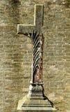Gebroken Christelijk kruisbeeld stock fotografie