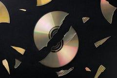 Gebroken compact disc Stock Afbeelding
