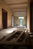 Gebroken deuren en ruïnes Royalty-vrije Stock Afbeeldingen