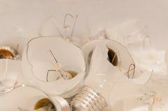 Gebroken lightbulbs Stock Afbeeldingen