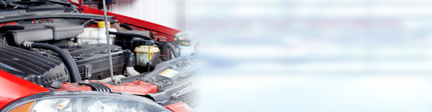 Gebroken motor van een auto Stock Foto's