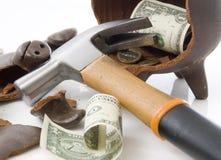 Gebroken piggy moneybox Royalty-vrije Stock Afbeeldingen