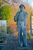 Gebroken standbeeld van een eerste wereldoorlogmilitair Stock Fotografie