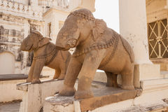 Gebroken standbeelden van olifanten in Khajuraho, India Royalty-vrije Stock Afbeeldingen
