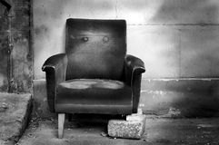 Gebroken stoel b/w Royalty-vrije Stock Foto's