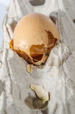 Gebroken van Eieren Stock Foto's