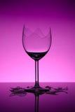 Gebroken wijnglas stock afbeelding