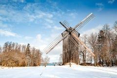 Gebroken windmolen in Estland, Tallinn stock fotografie