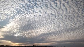 Gebroken wolken Stock Fotografie
