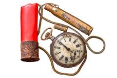 Gebroken zakhorloges, gebruikte de jachtpatronen en kleine kettingen Royalty-vrije Stock Afbeelding