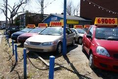 Gebruikte auto's voor verkoop Royalty-vrije Stock Foto's