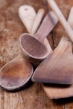 Gebruikte houten lepels Royalty-vrije Stock Foto's