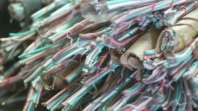 Gebruikte koper communicatie kabel stock video