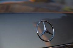 Gebruikte Mercedes-Benz-s-Klasse S350 lange (W221) autotribune op een stree Royalty-vrije Stock Fotografie