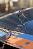 Gebruikte Mercedes-Benz-s-Klasse S350 lange (W221) autotribune op een stree Stock Fotografie