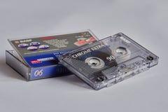 Gebruikte muziekcassette met plastic doos royalty-vrije stock foto's