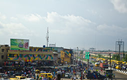 Gebruikte Taxivoertuigen voor verkoop bij de markt in Oshodi royalty-vrije stock foto