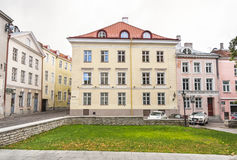 Gebäude in der alten Stadt von Tallinn, Estland Lizenzfreies Stockbild