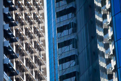 Gebäudereflexionen Stockfotos