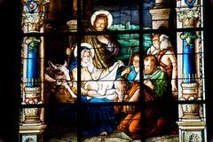Geburt Christi-Szene. Buntglasfenster Lizenzfreies Stockfoto