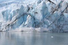Geburt eines Eisbergs Stockbild