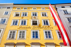 Geburtshaus do lugar de nascimento de Mozarts, Salzburg Fotos de Stock