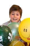 Geburtstag. Der Junge mit Ballonen Lizenzfreies Stockfoto