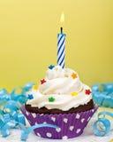 Geburtstag-kleiner Kuchen Stockfoto