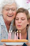 Geburtstagfeier mit Großmutter Lizenzfreie Stockbilder