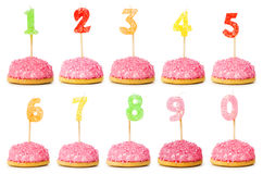 Geburtstagkerzen auf Weiß Stockbild