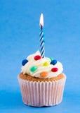 Geburtstagkleiner kuchen Lizenzfreie Stockfotos