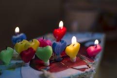 Geburtstagkuchen mit Kerzen Stockfotos