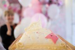 Geburtstags- oder Babypartydekordatumskasten Stockfotos