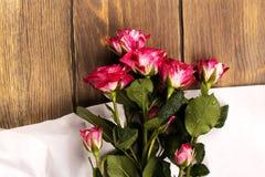Geburtstags- oder Valentinsgrußtageshintergrund Lizenzfreie Stockbilder